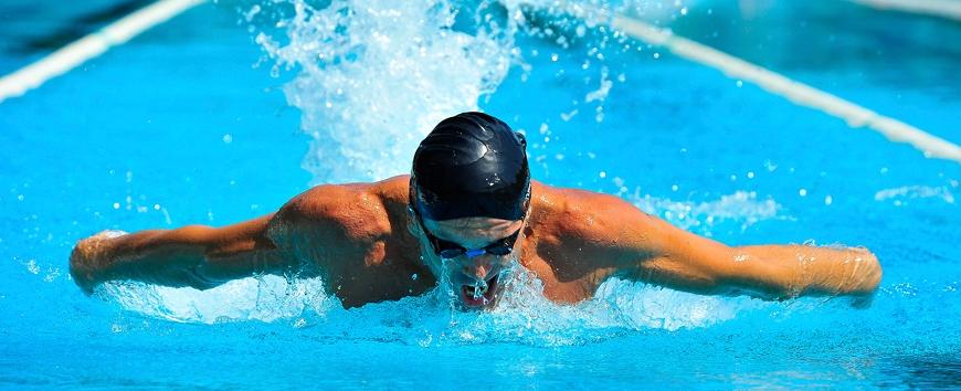 Praticare nuoto: pro e contro